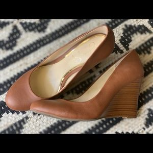 Jessica Simpson Sampson Wedge Pump, Size 8